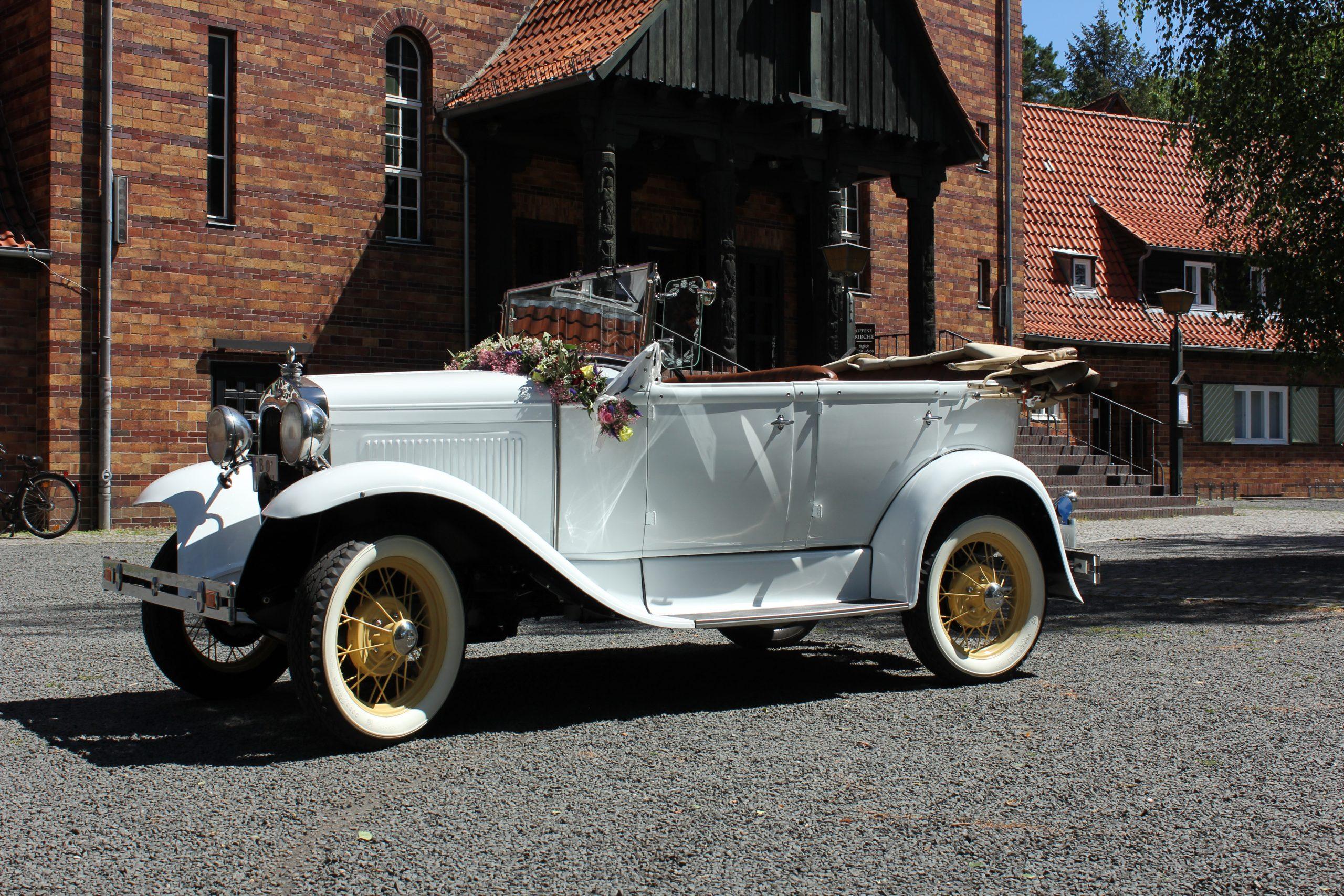 Ford Model A Standard Phaeton Baujahr 1930 weiß