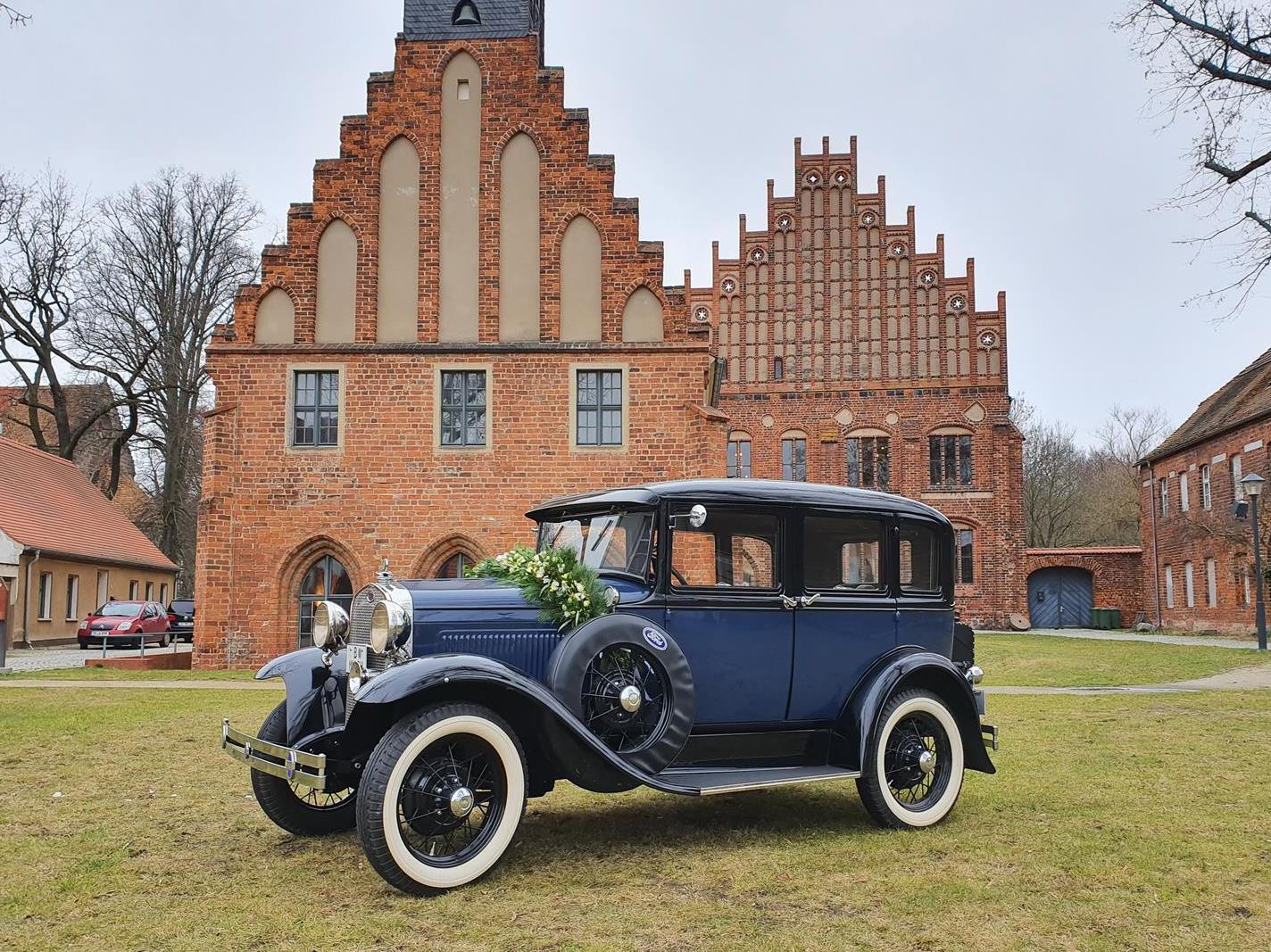 ford model a town sedan baujahr 1930 dunkelblau